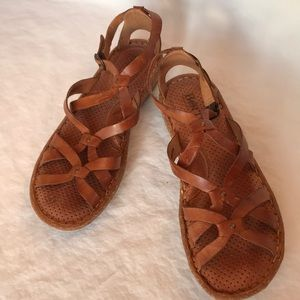 Born brown leather strap buckle sandals size 10/11